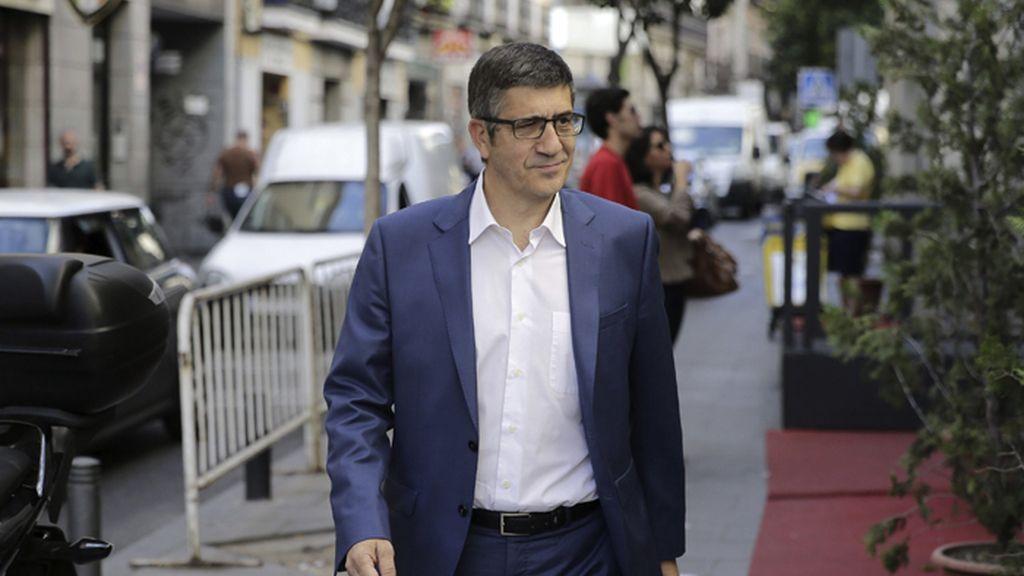 Patxi López participa en una reunión con Pedro Sánchez