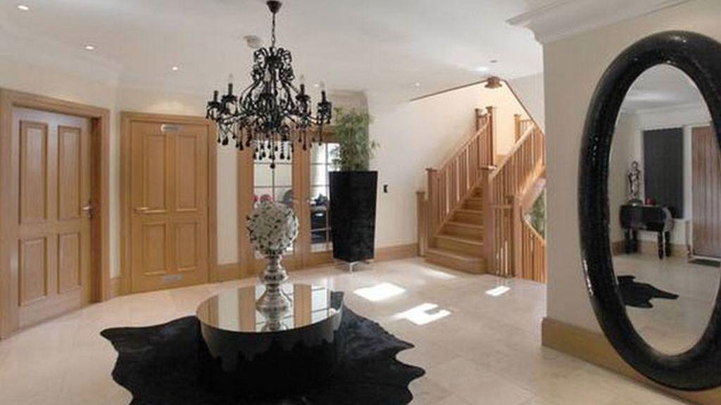 La mansión, típicamente British, está en Alderley Edge