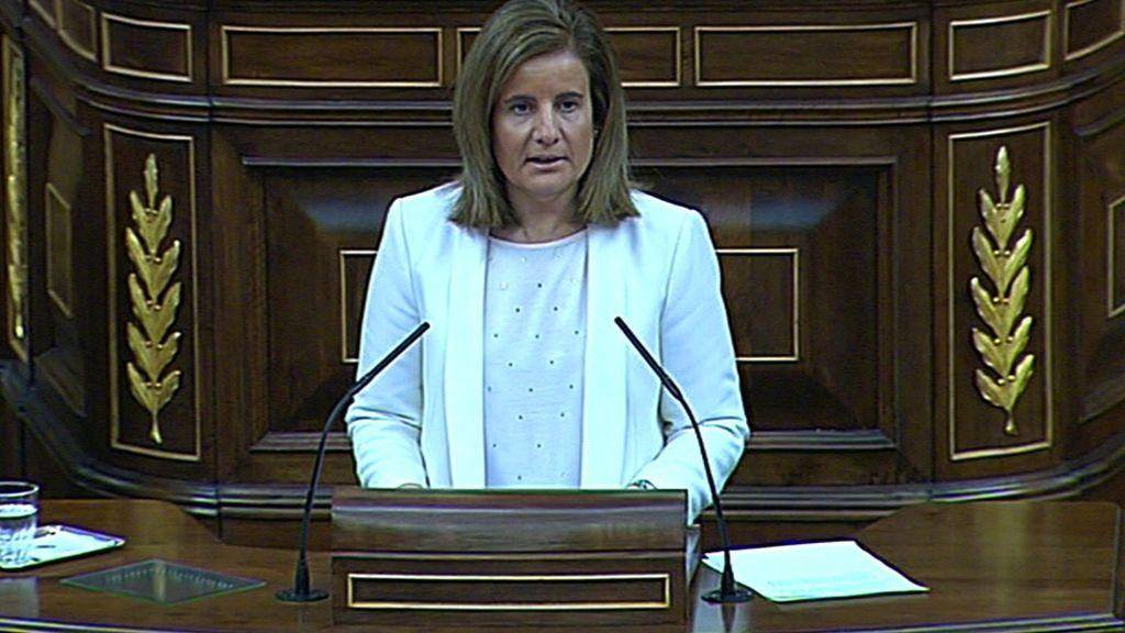 Fátima Báñez, deficende la no revalirización de las pensiones en el Congreso