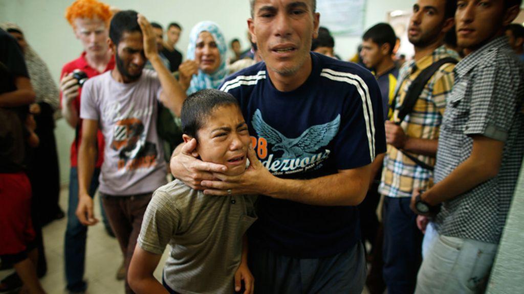 Mueren al menos 13 personas por un bombardeo israelí sobre un refugio de la UNRWA en Gaza