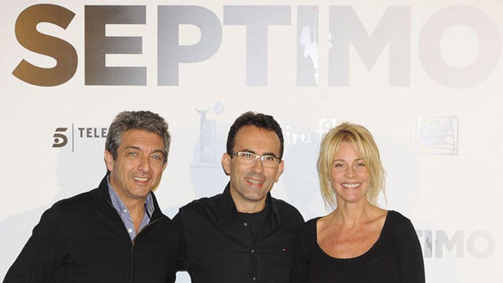 El director Patxi Amezcua con los actores Ricardo Darín y Belén Rueda
