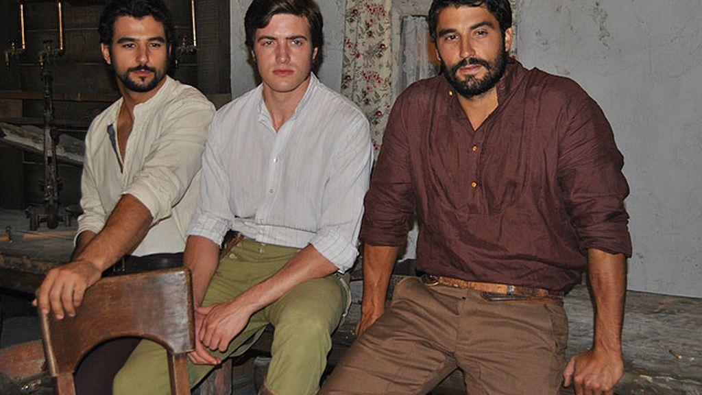 César, Hugo y Aníbal Bravo