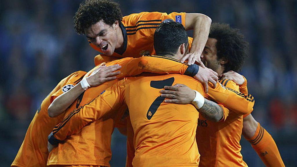 El Madrid tras marcar al Schalke
