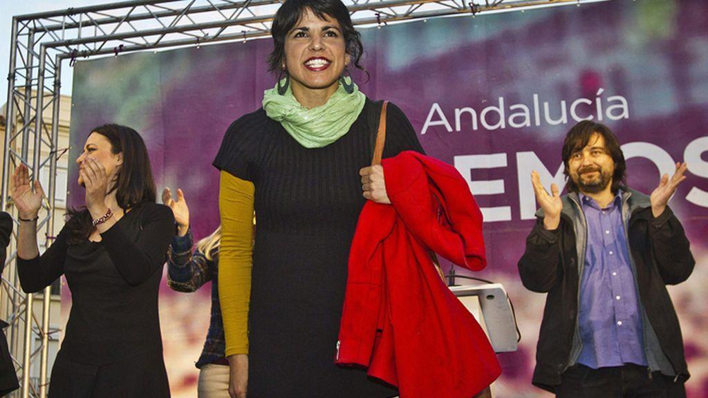 Teresa Rodríguez en un mitin en Huelva