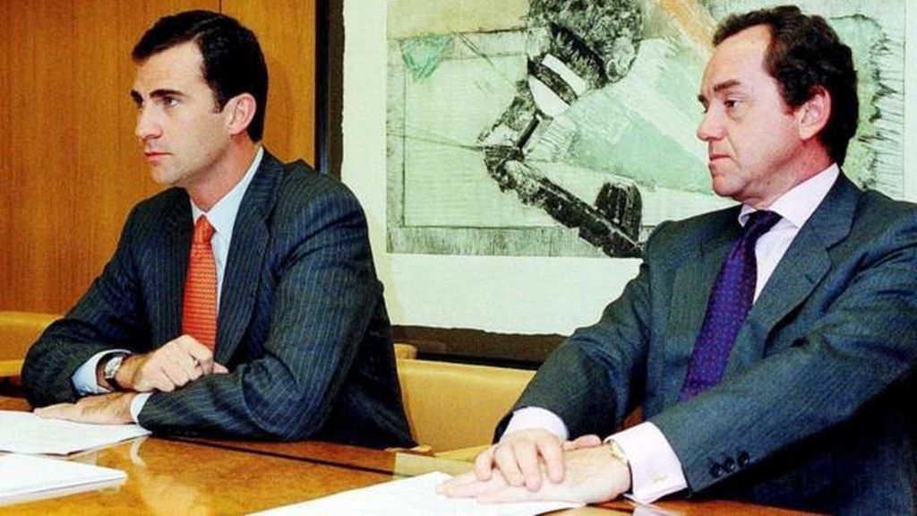 Don Felipe junto a Jaime Alfonsín