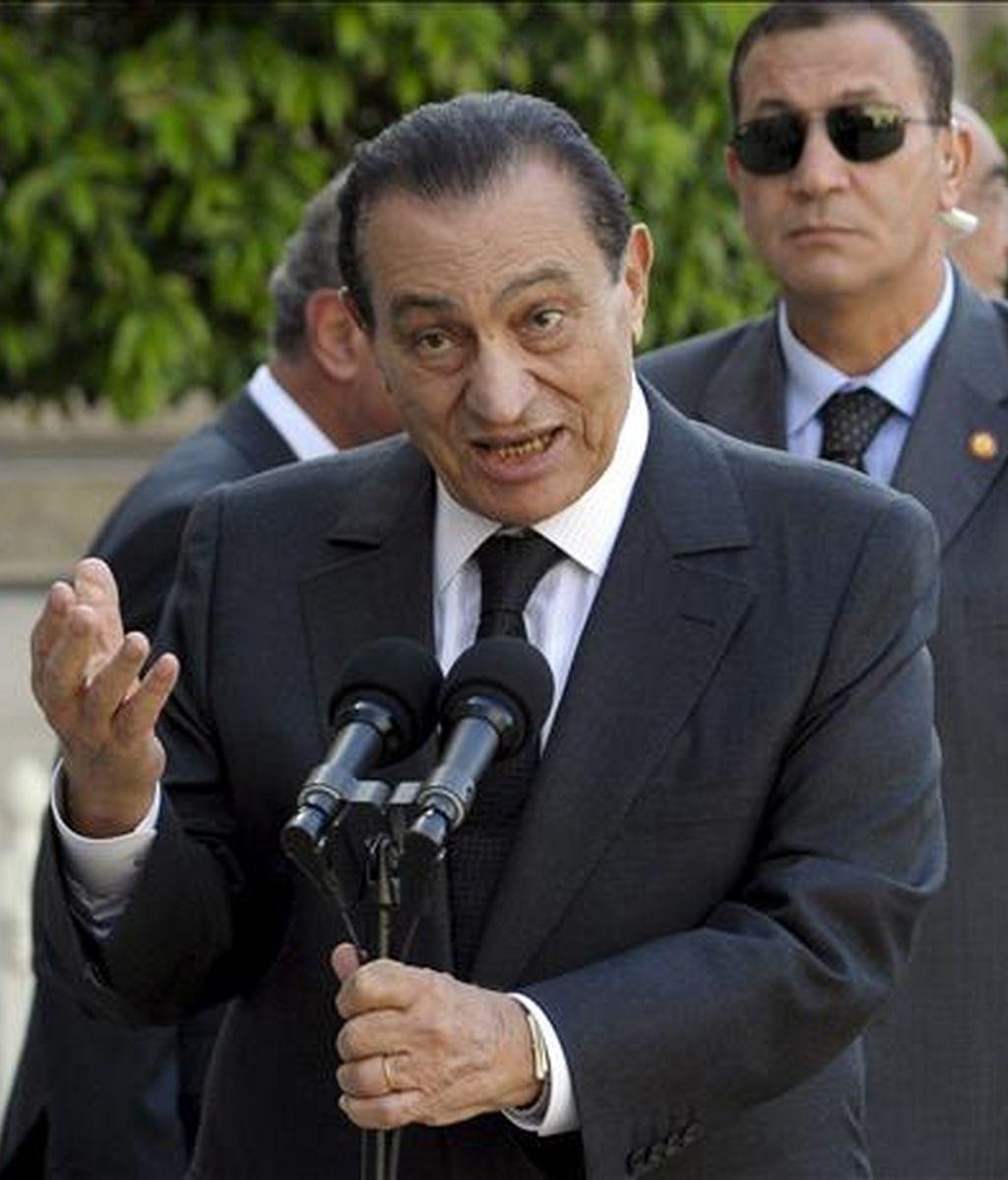 El presidente egipcio, Hosni Mubarak (c). EFE/Archivo