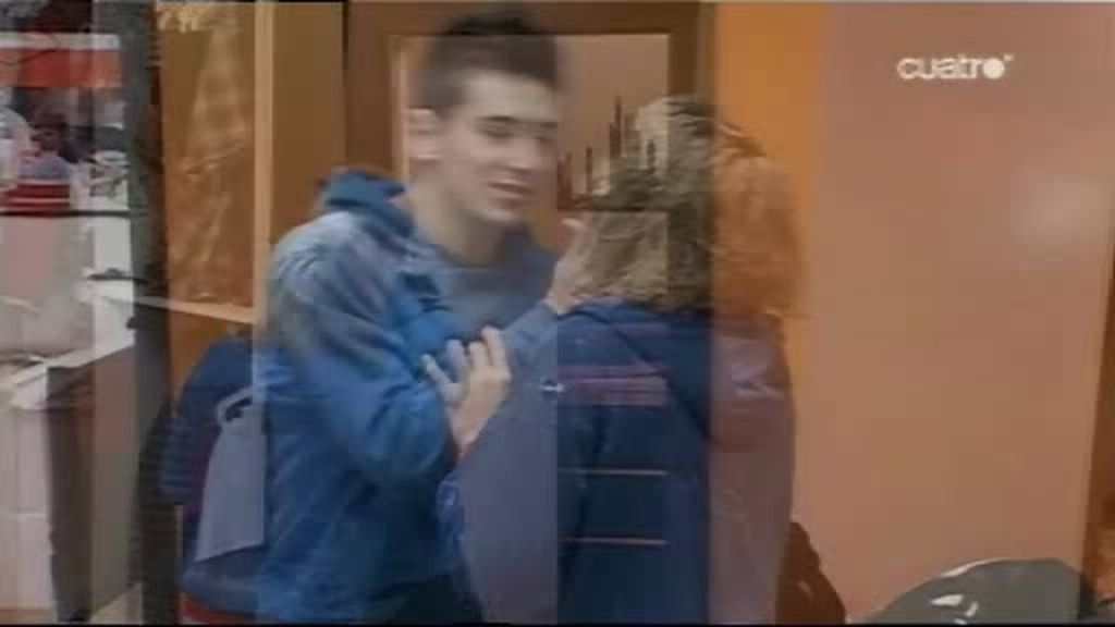 Kevin y Lisa se lían en la Escuela