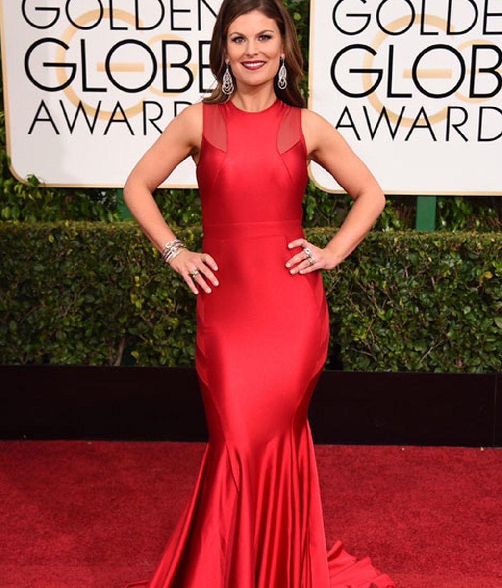 Kristin Dos Santos en la alfombra roja de los Globos de Oro