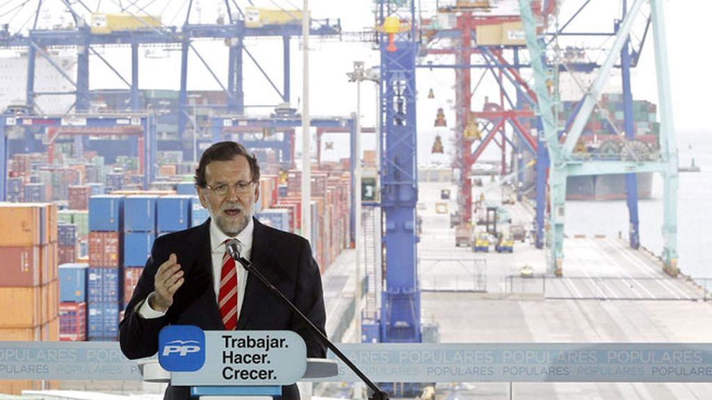 """Rajoy: """"A veces hemos cometido errores"""" pero el PP """"ha estado siempre al servicio de la sociedad"""""""