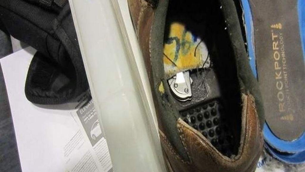 Hallado un cuchillo en el zapato de un individuo en el aeropuerto de Detroit