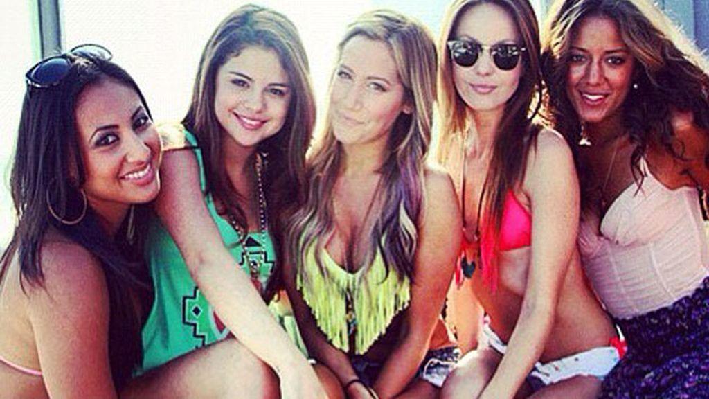 Selena Gomez y Ashley Tisdale