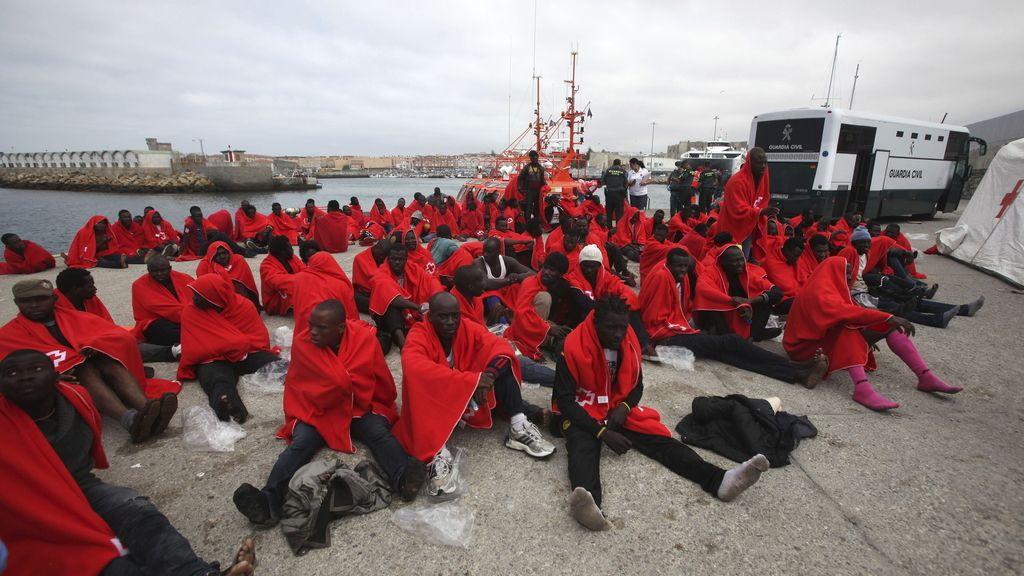 Se eleva a 231 el número de inmigrantes rescatados en aguas del Estrecho
