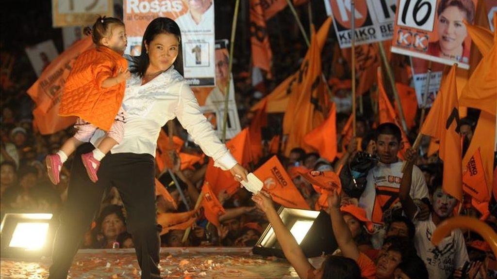 La candidata presidencial Keiko Fujimori participa en el evento de cierre de su campaña, en Lima (Perú). El país celebrará elecciones nacionales el domingo 10 de abril. EFE