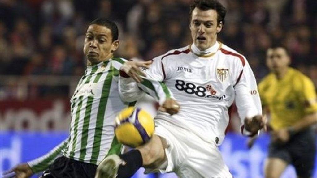 El Betis se lleva el derbi de Sevilla (1-2)
