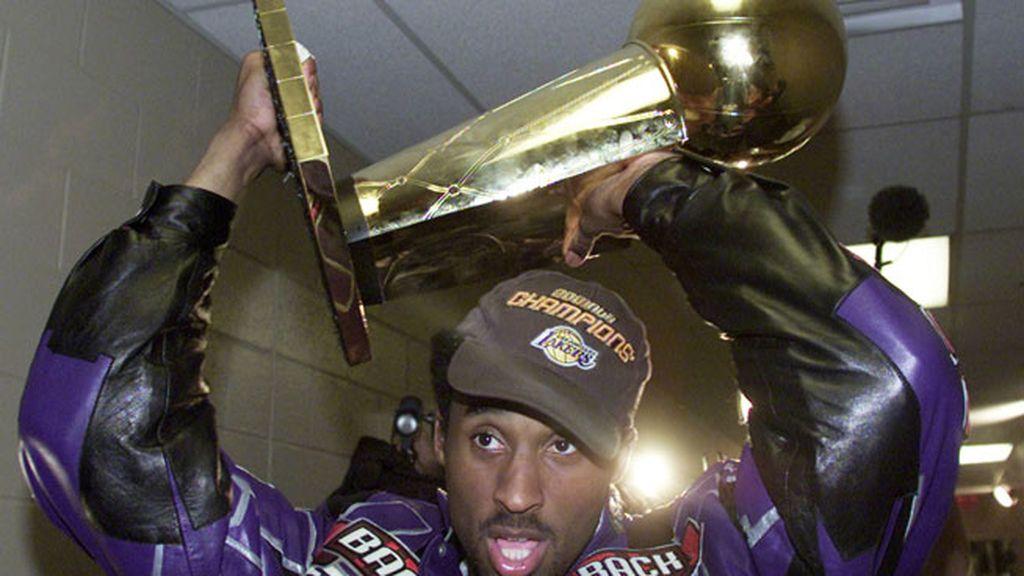En 2001 consiguió su segundo anillo y fue el mejor jugador de diciembre