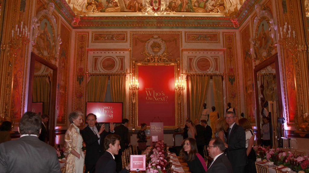 Un mar de rosas esperaba a los invitados a la gran noche de Vogue