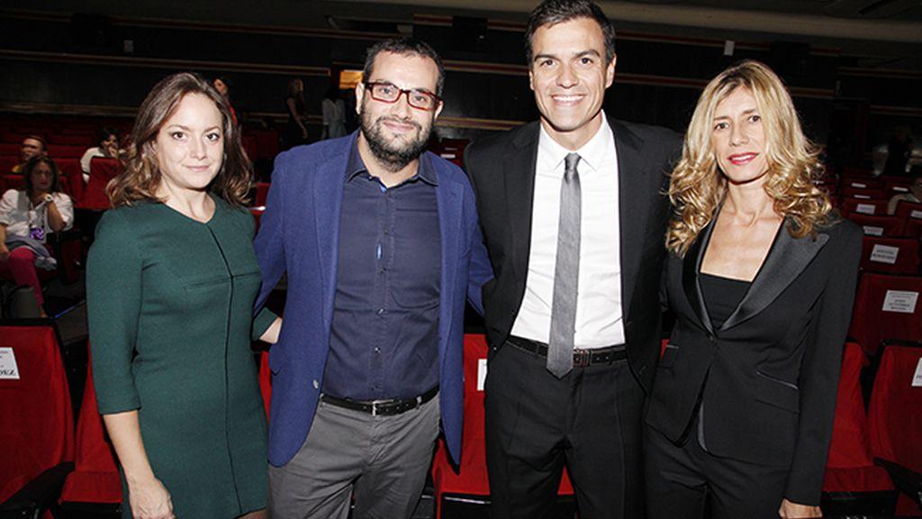 """Pedro Sánchez apoyando al cine español con su presencia en el estreno de """"Regresión"""""""