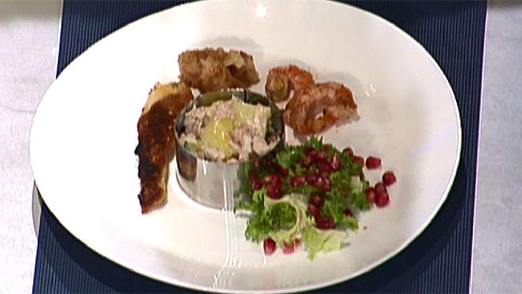 Ensaladilla especial con bandas de pollo y panga aromatizadas