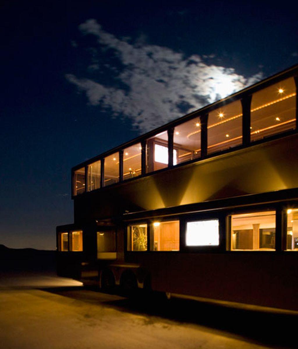 La mansión móvil que Ashton Kutcher lleva al set de 'Dos hombres y medio'