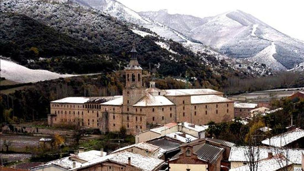 Vista general de El Monasterio de Yuso, en San Millán de la Cogolla. EFE/Archivo