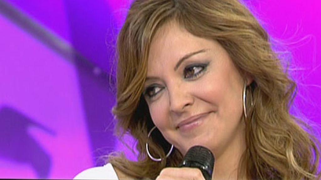 Mila canta con Merche