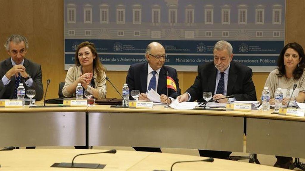 Cristóbal Montoro impone el objetivo del déficit a las Comunidades Autónomas