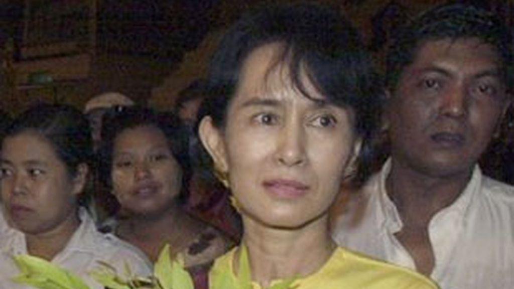 Foto de archivo de la Nobel de la Paz y líder del movimiento democrático birmano, Aung San Suu Kyi. Foto: AP.