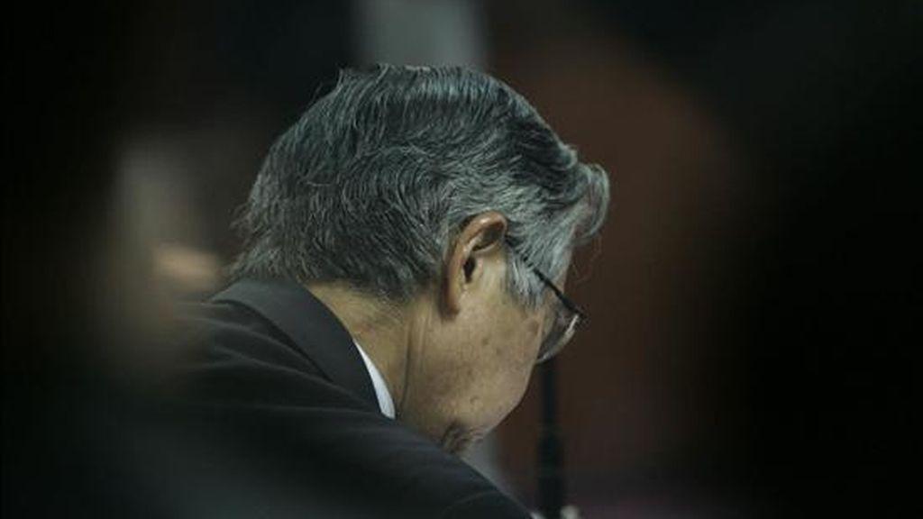 Imagen del ex presidente peruano Alberto Fujimori el día que fue declarado culpable por la sala penal especial de la Corte Suprema de Justicia, que lo procesó por violaciones de los derechos humanos. EFE/Archivo
