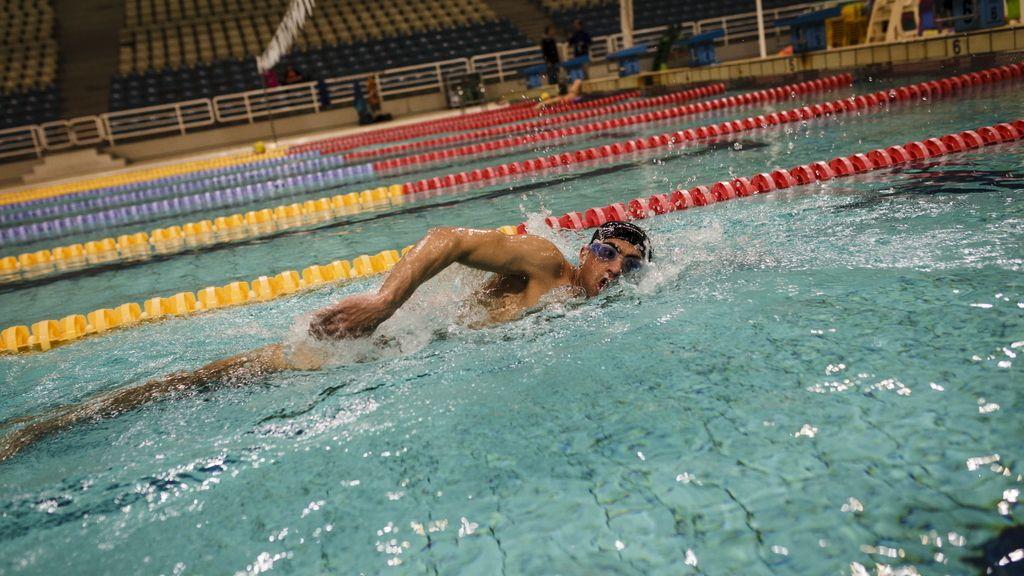 Un nadador amputado de Siria portará la antorcha olímpica en un centro de refugiados de Atenas
