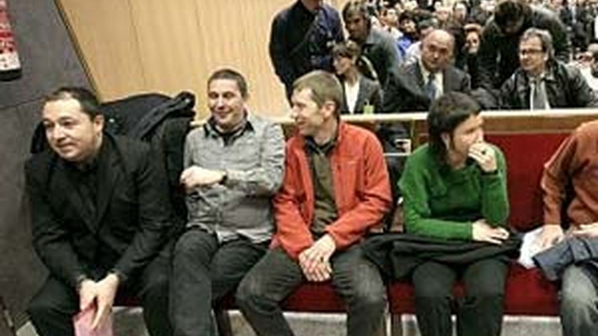 Pernando Barrena, junto a Arnaldo Otegi y otros miembros de Batasuna en una imagen de archivo, fue uno de los que presentó una demanda ante Estrasburgo.