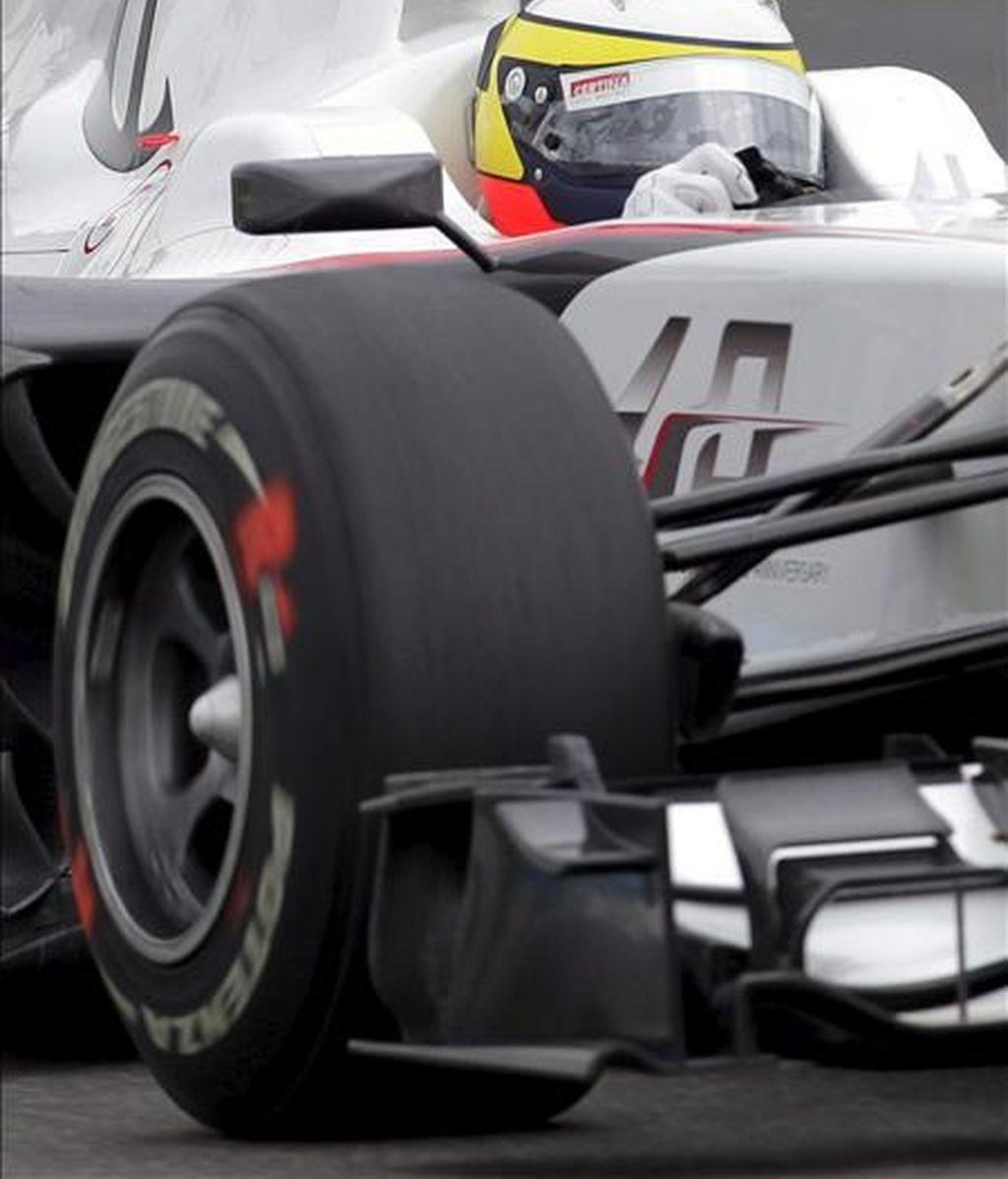 El piloto español de Fórmula Uno Pedro de la Rosa, de la escudería Sauber, al volante de su monoplaza. EFE/Archivo