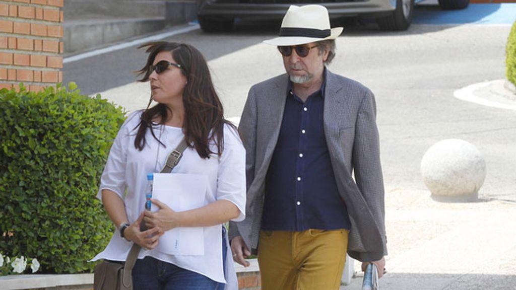 Los famosos se acercan a conocer a la hija de Penélope Cruz