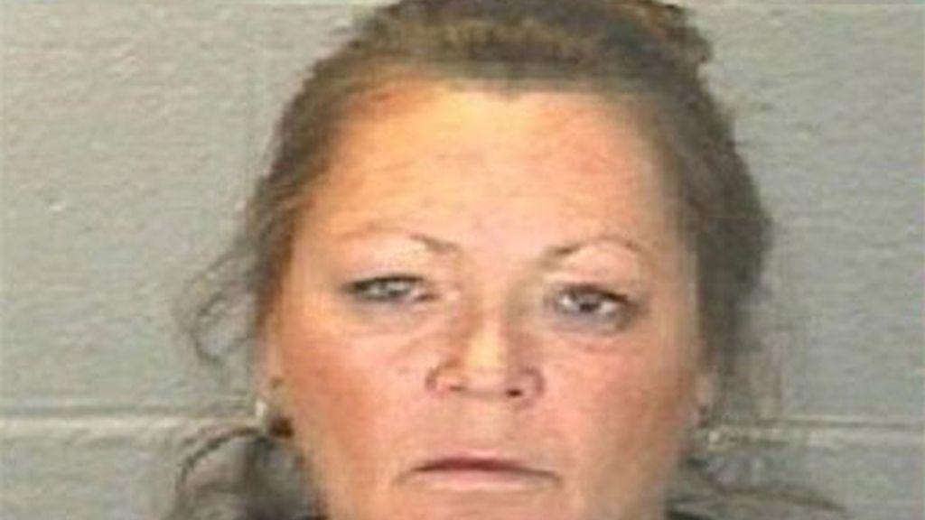 Una madre acusada por colgar fotos de su hija desnuda en Facebook
