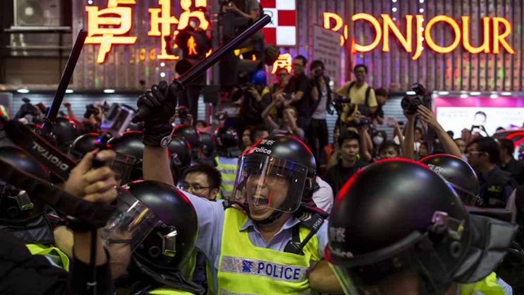 La lucha en Hong Kong se recrudece