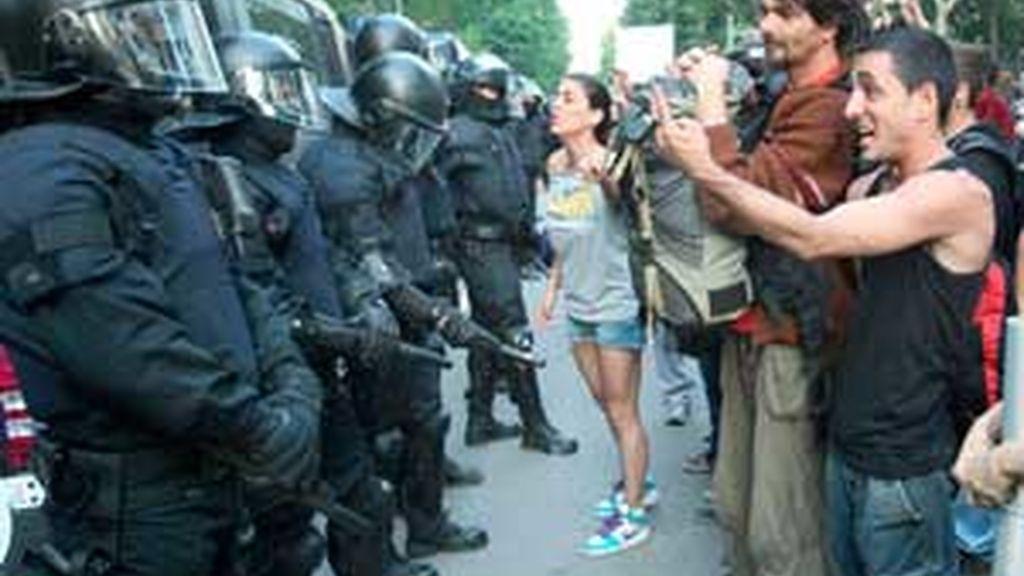 """""""En este vídeo se ven secretas en la manifestación y no podemos descartar que hayan sido ellos"""", argumentan. Foto: EFE"""