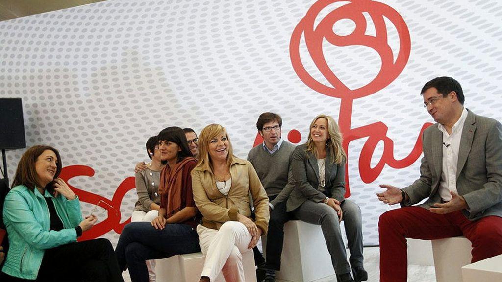 Elena Valenciano y Óscar López visitan las instalaciones del PSOE
