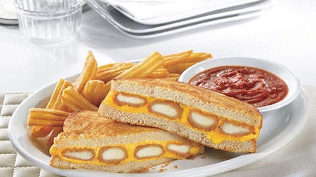 Sandwich de queso y queso frito