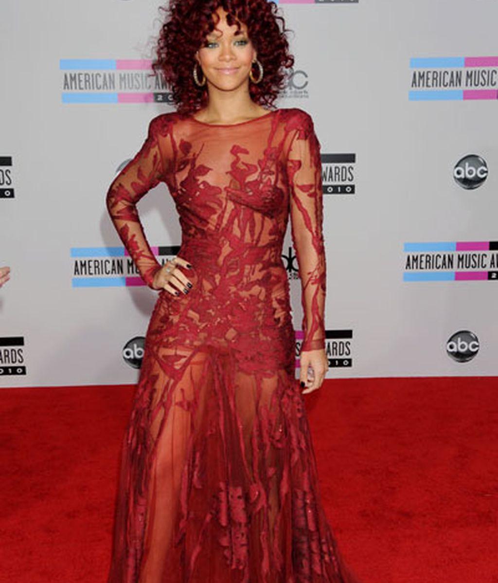 Rihanna luce su cambio de look