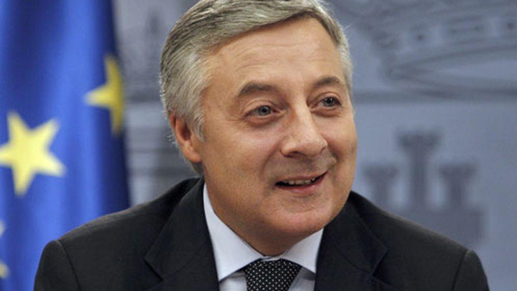 El ministro de Fomento, José Blanco, en rueda de prensa