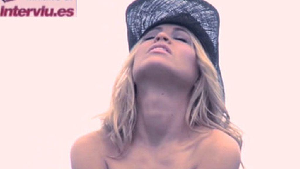 Cómo se hizo el desnudo de Carla