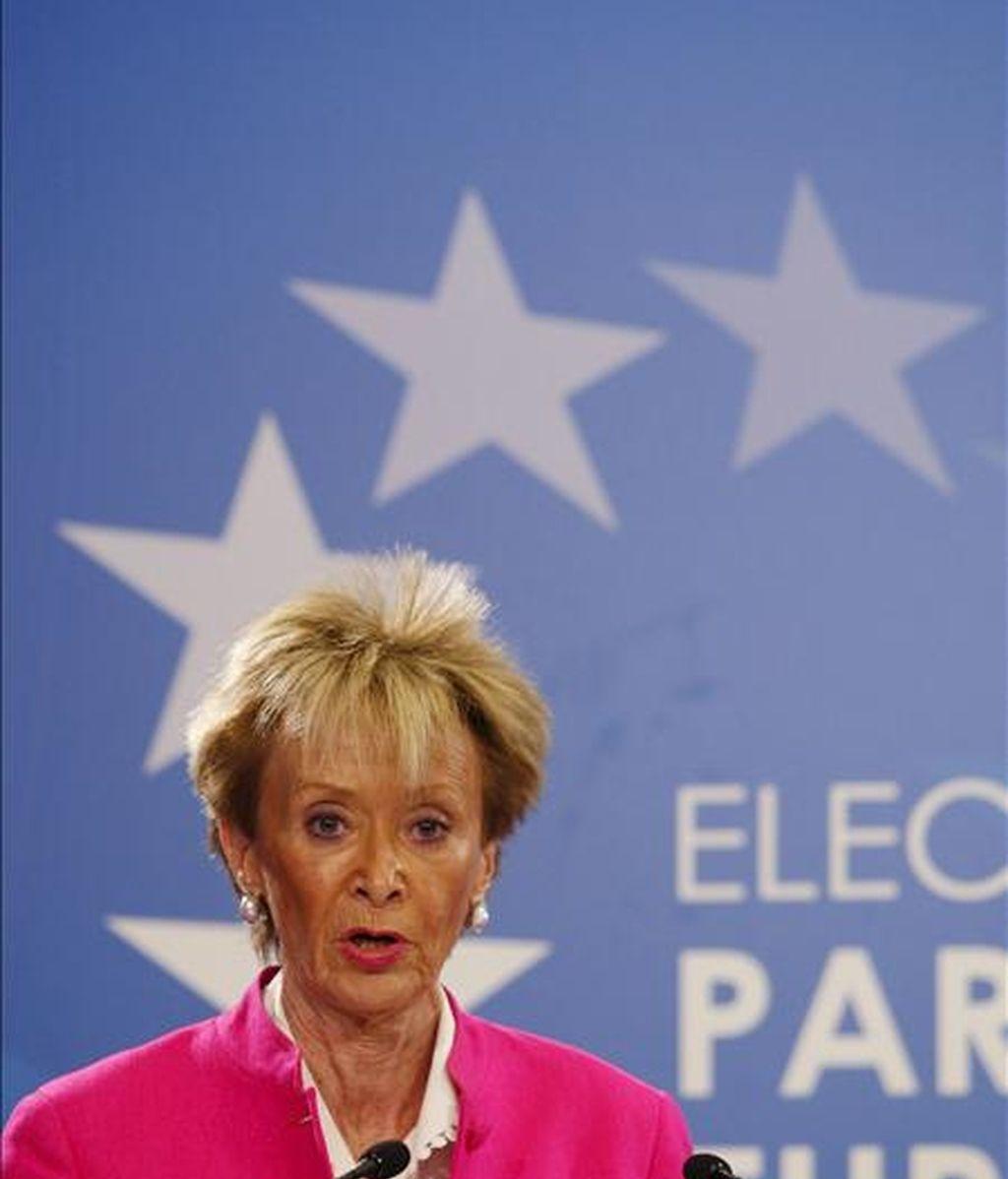 La vicepresidenta primera del Gobierno, María Teresa Fernández de la Vega, durante la rueda de prensa ofrecida en el Palacio de Congresos de Madrid. EFE