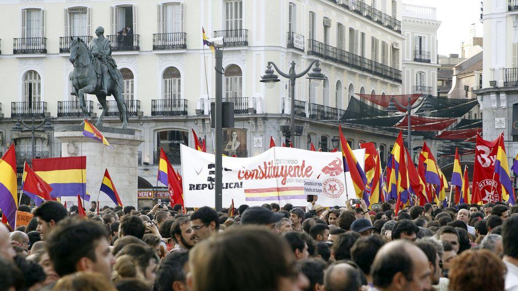 Concentración en la Puerta del Sol a favor de un referéndum pro República