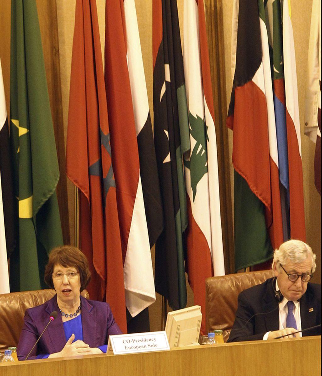 Encuentro de los ministros de AA.EE. de la Liga Árabe de la Unión Europea para abordar el futuro de Siria