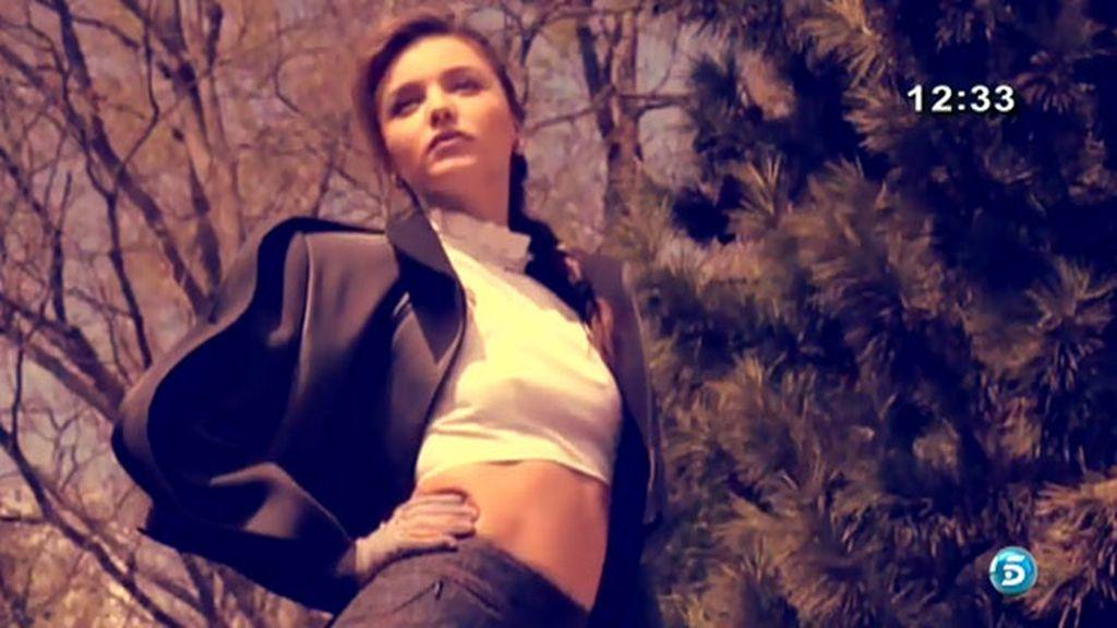 La modelo australiana adelanta la moda del otoño