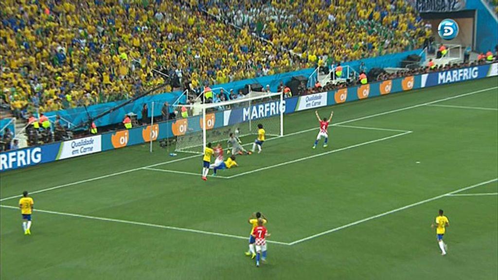Marcelo anotó el primer gol del Mundial... en propia puerta