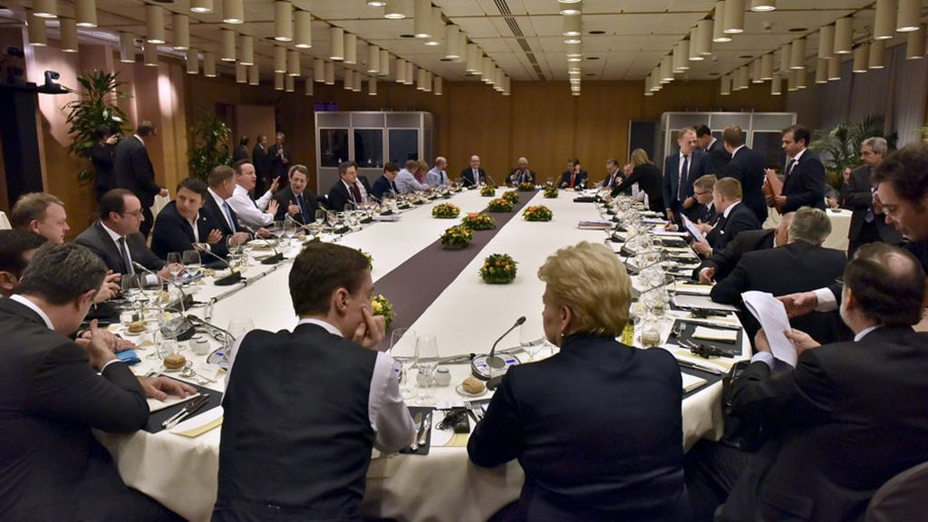 Los líderes anuncian un acuerdo que redefine el estatus de Reino Unido en la UE