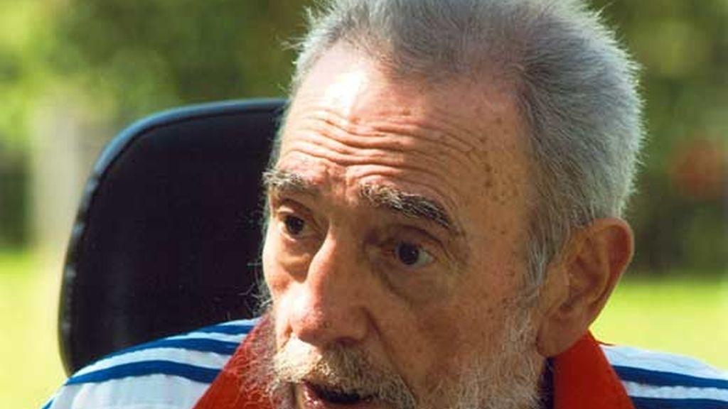 Fidel Castro se ha reunido con su hermano Raúl y con el mandatario venezolano, Hugo Chávez. Vídeo: Atlas