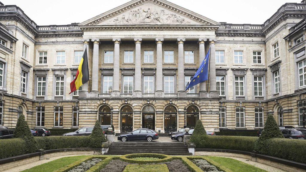 Vista panorámica del exterior del Parlamento belga, en Bruselas (Bélgica)