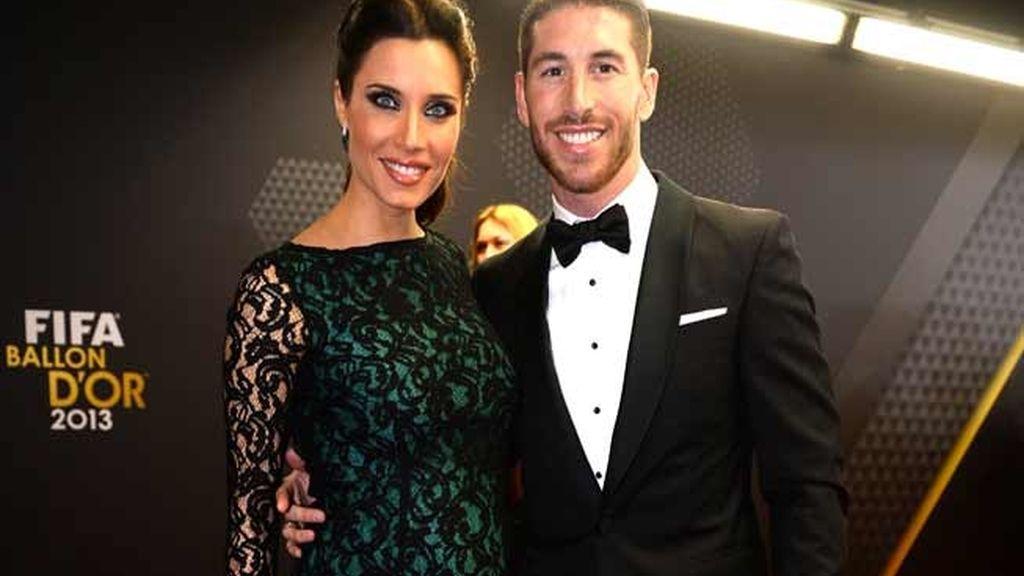 Pilar Rubio y Sergio Ramos, ambos de Carolina Herrera