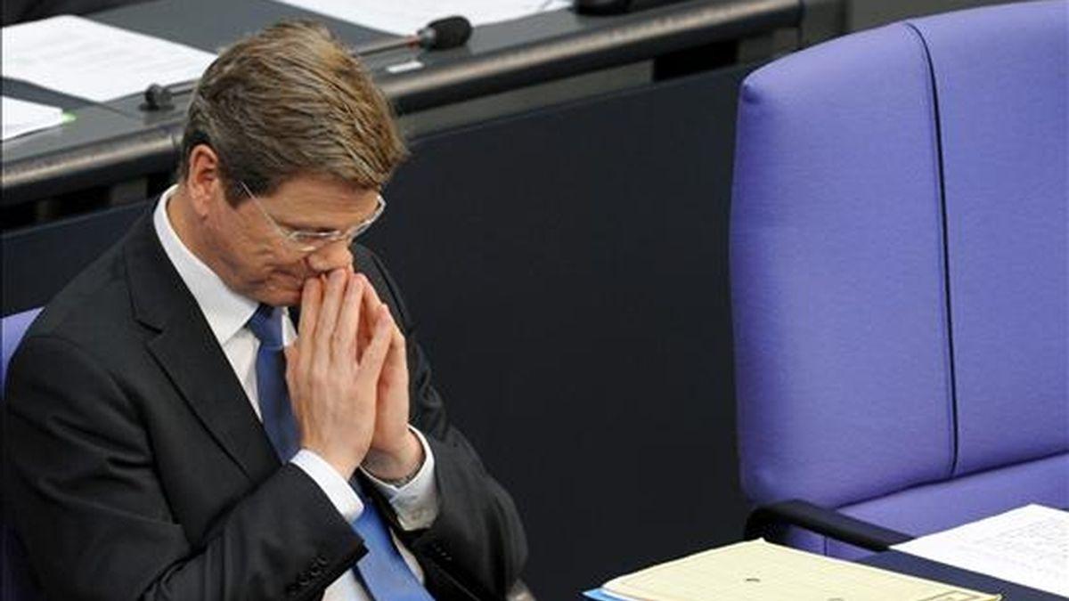 El ministro del Exterior alemán, Guido Westerwelle, su intervención ante la Cámara baja del Parlamento (Bundestag), en Berlín (Alemania), ayer, 9 de julio. EFE